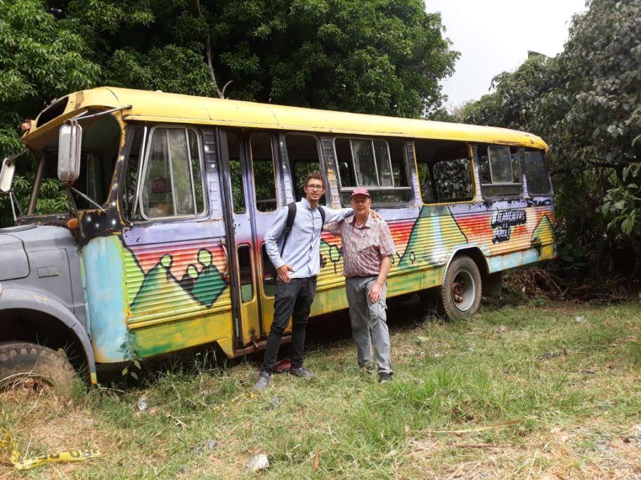 Sammeln für einen Lesebus in Kolumbien